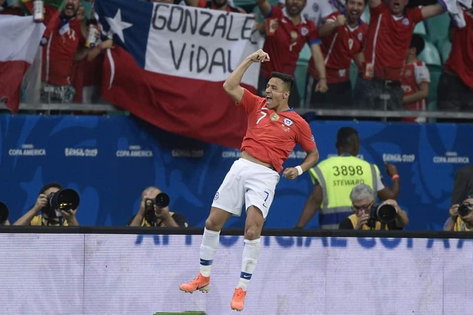 Alexis Sanchez celebrating
