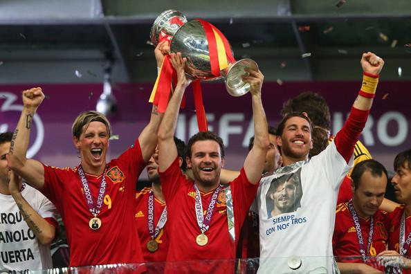 Fernando Torres holding the Euro 2012 Championship