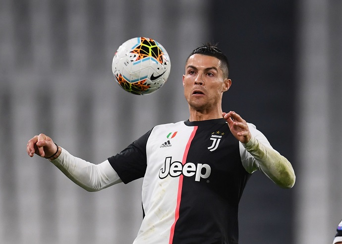 Juventus looking to add another striker to ease burden on Ronaldo