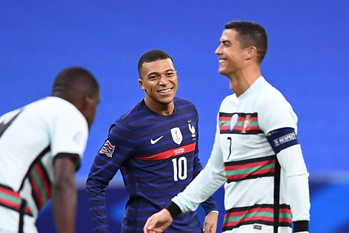 Ronaldo and Mbappe share a special moment