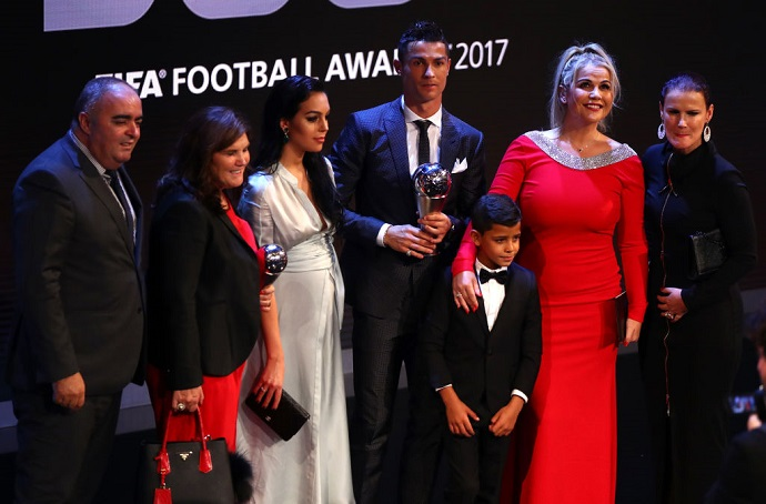 Ronaldo gets support from his loved ones after diagnosis
