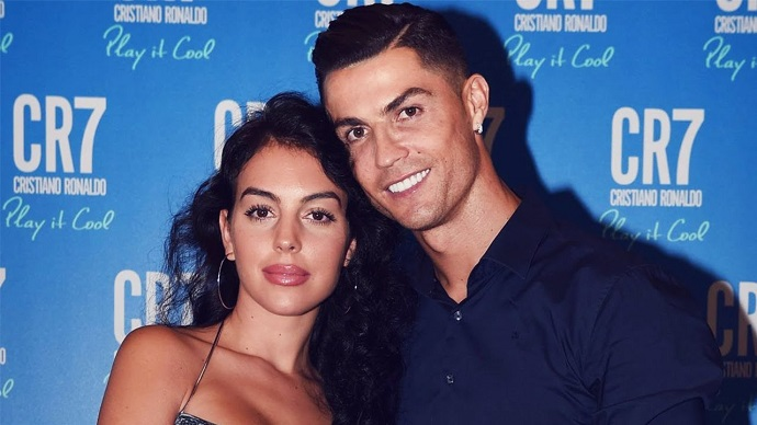 Cristiano's Girlfriend Georgina Makes Appearance On Masked Singer