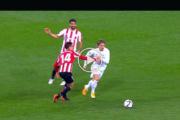 Video: Luka Modric Playing Beautiful Football